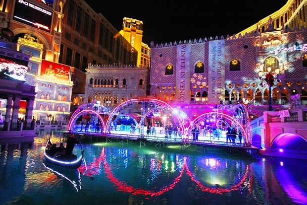 christmas decorations in venice - How Does Italy Celebrate Christmas