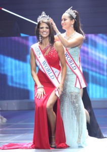 Mrs World 2013 Crowning Moment