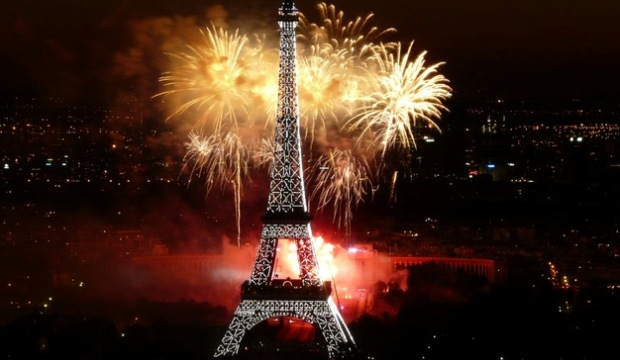 Eiffel Tower Reveillon Tour
