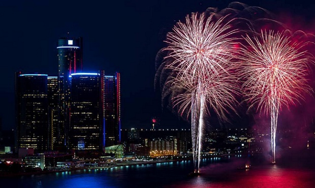 NYE Fireworks in Detroit