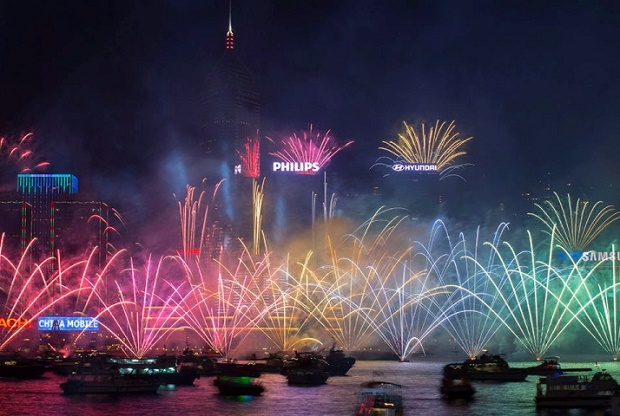NYE Fireworks in Hong Kong 2017